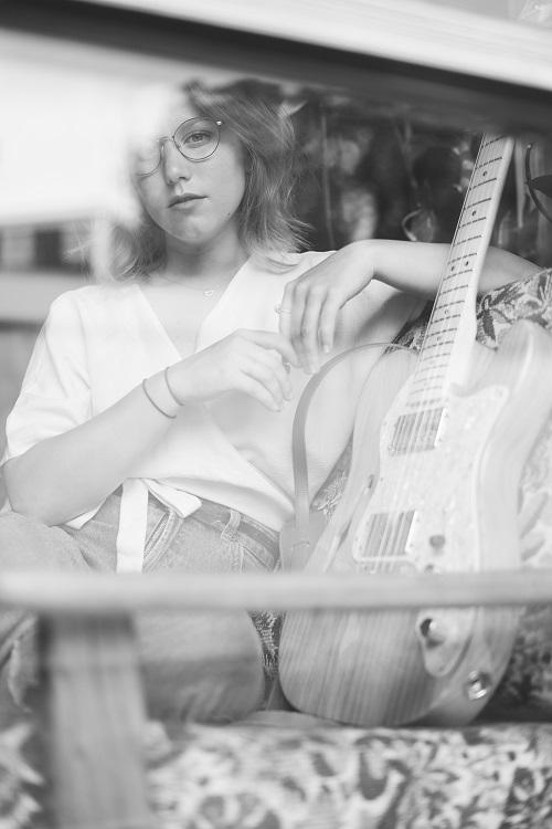 Die österreichische Sängerin und Songwriterin helianth © Lorra Mayer